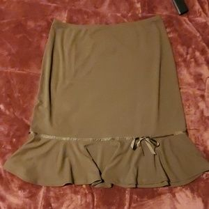 NWT brown ruffled knee skirt